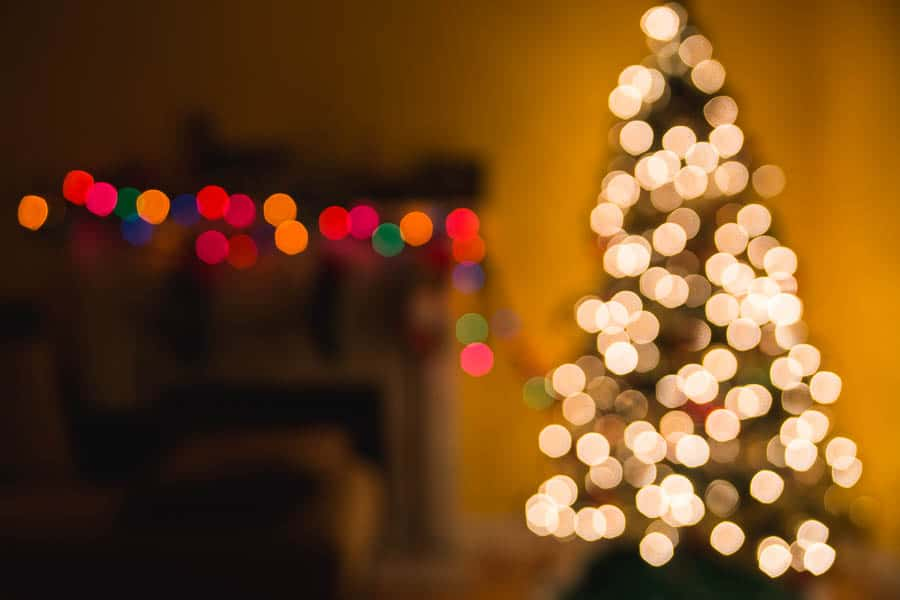 I love captuing christmas lights! This tutorial will teach you how to capture christmas light bokeh with your iphone