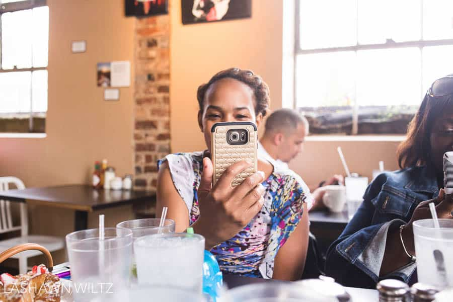 inding real friends on the internet is a rare and hard thing. But we fab five ARE friends. We had lunch and here is my 10 on 10 photography project for March.