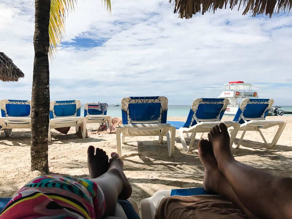 couples-at-beaches-negril-10