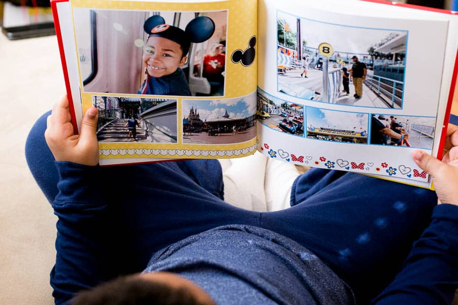 With the help of the Make My Book Service from Shutterfly, i made a shutterfly custom photo book for our trip to Disney