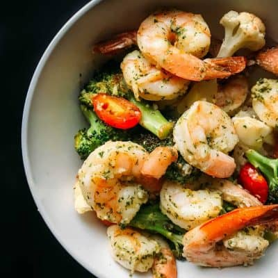 Easy 10 Minute Sheet Pan Shrimp Scampi