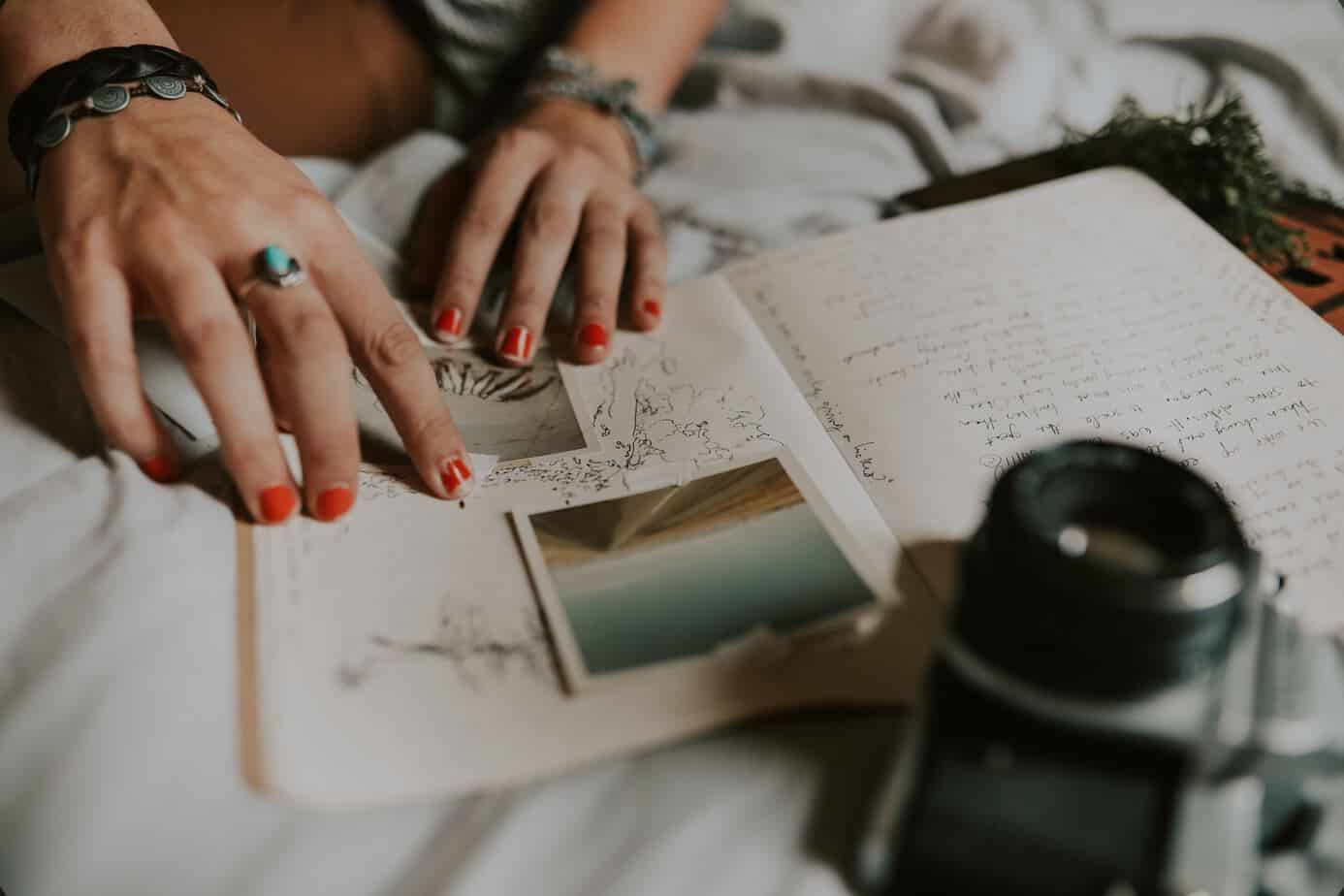 how to start a november gratitude journal with photos in a travelers notebook.