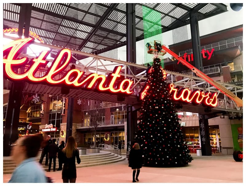 Things To Do In Atlanta For Christmas.Holiday Family Fun At The Onup Experience At The Battery