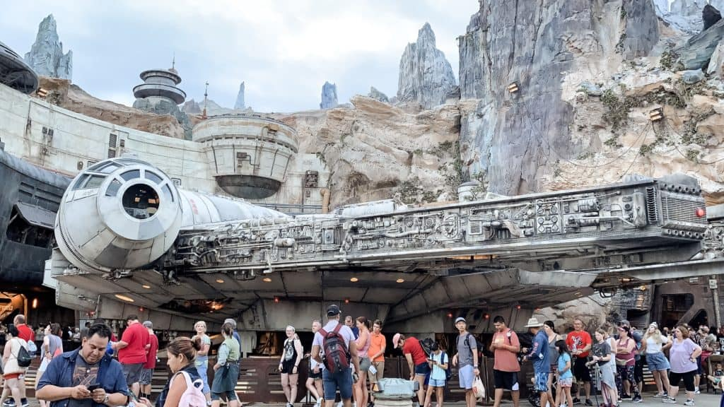 smugglers run at galaxy's edge at disney