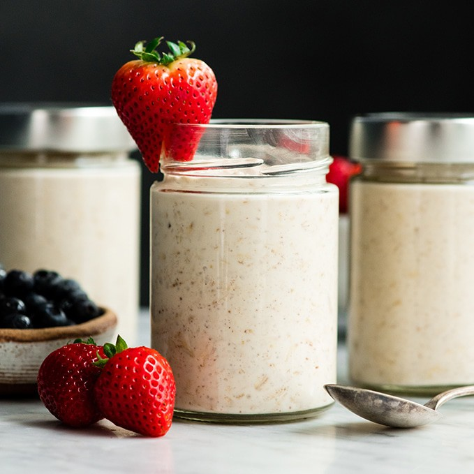 Easy Overnight Oats Recipe with Yogurt