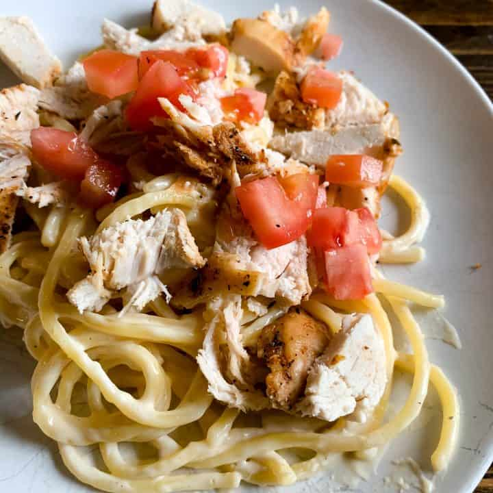 Quick and Easy Homemade Chicken Alfredo