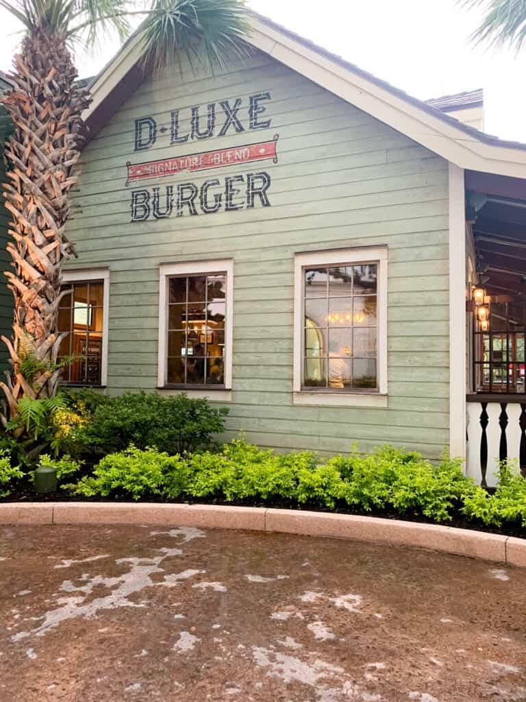 d-luxe burger in disney springs