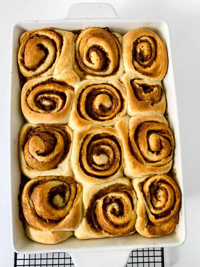 baked cinnamon rolls without icing.